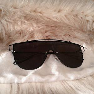 Black sunglasses 🕶